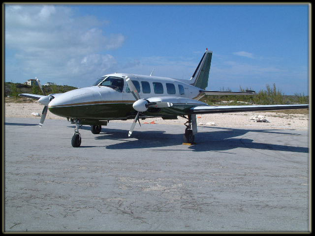 Air Charter Bahamas - Piper Navajo Chieftain Executive