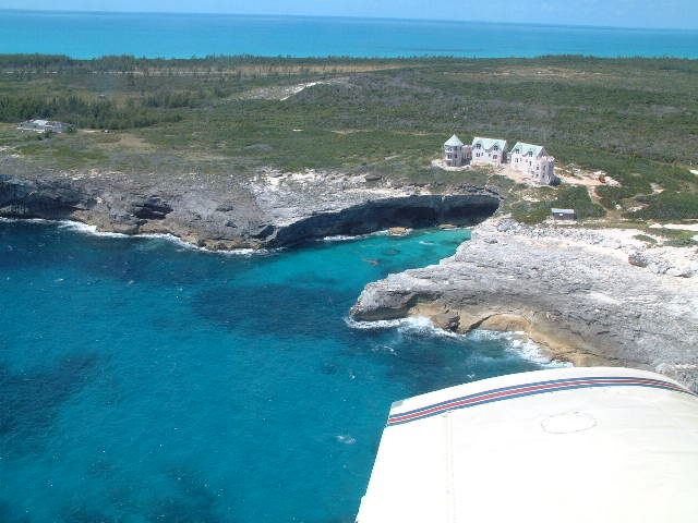 Air Charter Bahamas - Harbour Island, N. Eleuthera