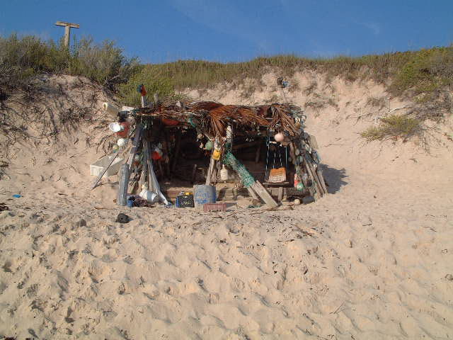 Surfer's Beach - Shack - overnight able in the winter - no seums
